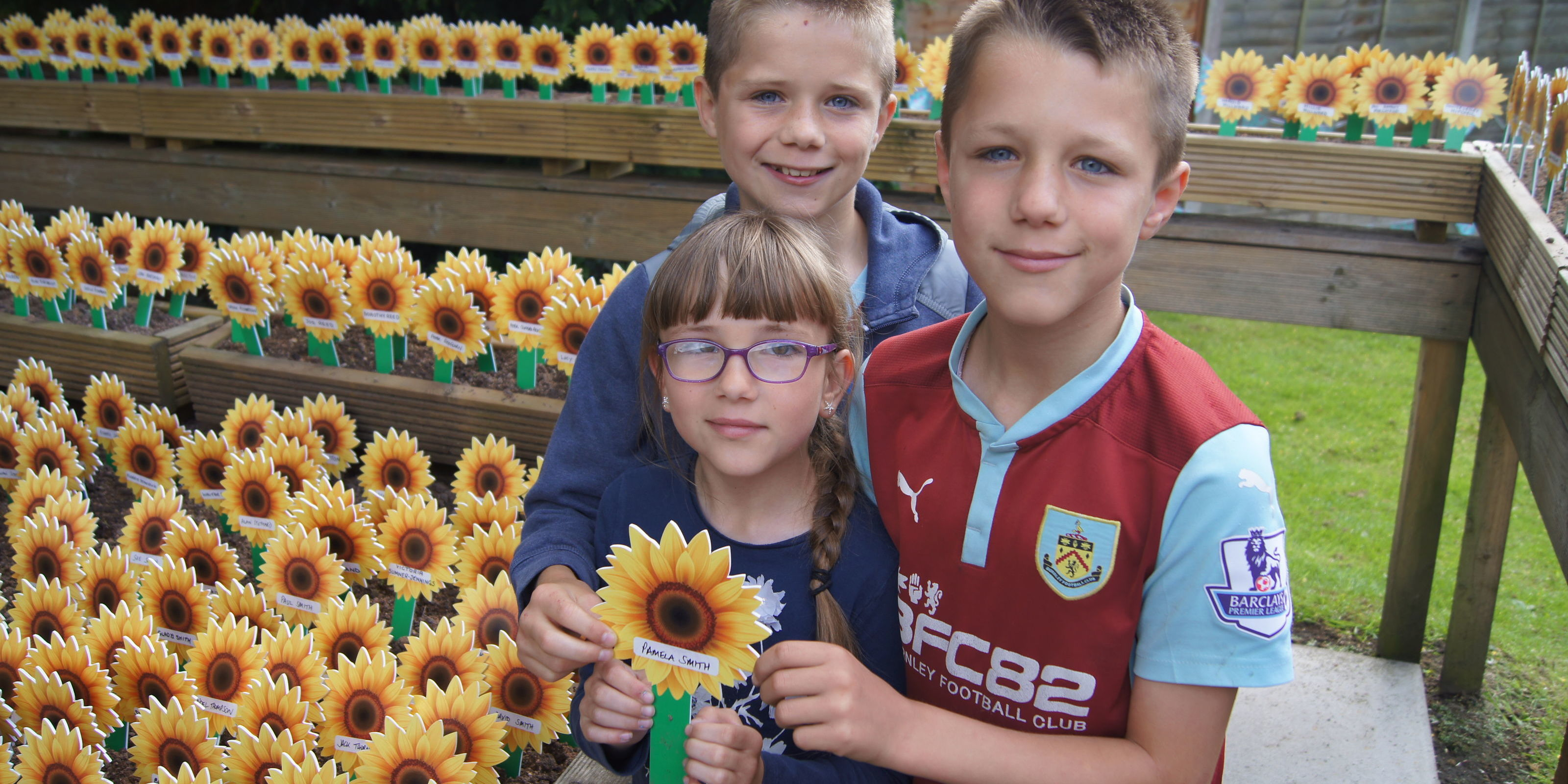 Sun shines as we honour loved ones at Sunflower Memories Appeal